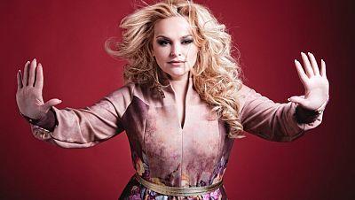 2014 - Moldavia: Cristina Scarlat canta