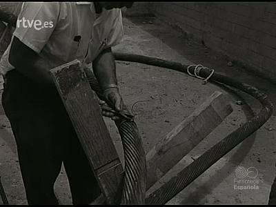 NUEVOS CAMINOS PARA EL DIALOGO ESPAÑOL EN EL MUNDO