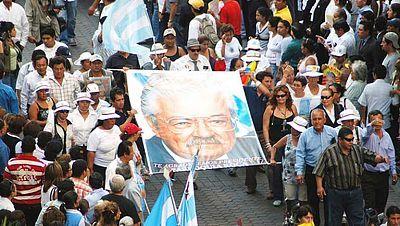 En Portada - Frank Vargas, el general rebelde