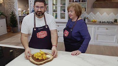 Patatas revolconas y buñuelos de bacalao