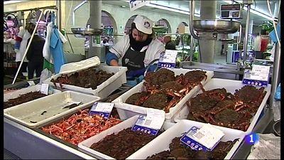 Baja el consumo de jamón, marisco y pescado en Andalucía