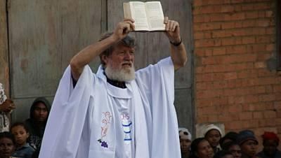 Pedro Opeka, el apóstol de la basura