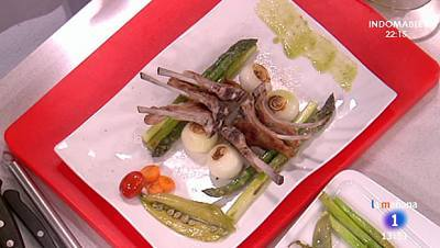 Chuletillas de cordero con verduras al pesto