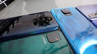 Getxophoto, móviles a 250 euros y alt254