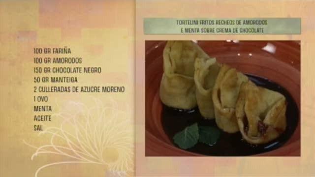 Tortellini fritos rechos de amorodos e menta sobre crema de chocolate - 07/06/2017 10:30