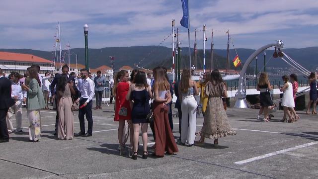 O rei Filipe VI preside a entrega de despachos na Escola Naval de Marín - 16/07/2019 14:29