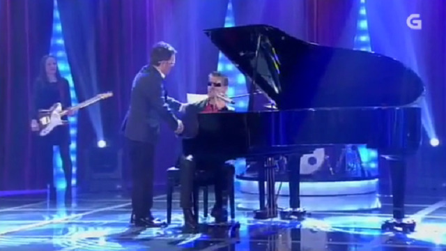 Con Serafín Zubiri, Pili Pampín, Martín Máez e a orquestra Trébol - 07/05/2016 22:00