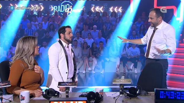 Carlos Roma improvisa temas que piden os telespectadores - 09/10/2018 16:20