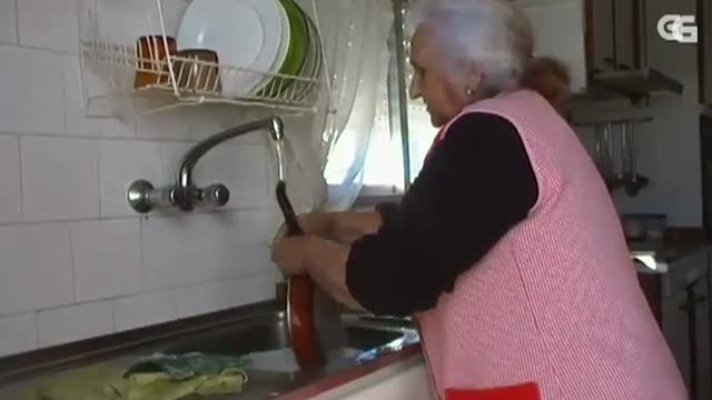Cociña pá la juventú: aprendemos a limpar as tixolas - 01/04/2015 22:15