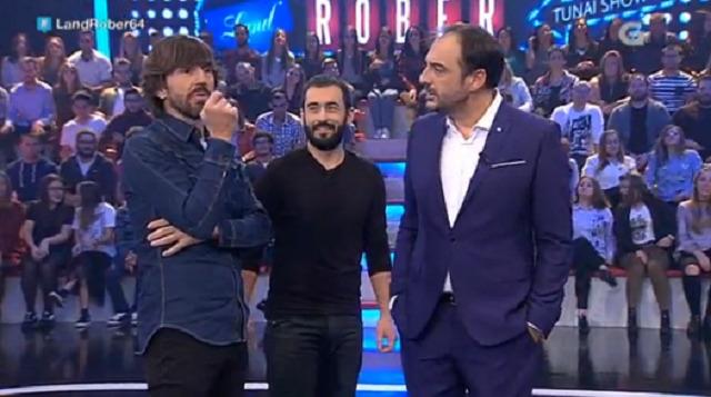 Con Santi Millán, Javi Sancho, o home do tempo da TVG Diego Viaño e a artista Guadi Galego - 09/11/2016 22:00