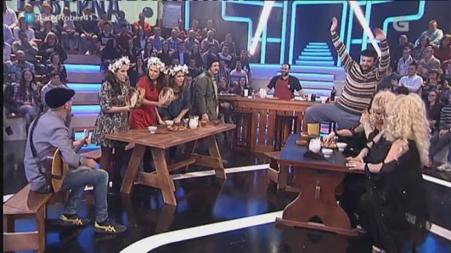 'De Vacas' e 'Supremas', loita de voces na taberna - 02/03/2016 22:50