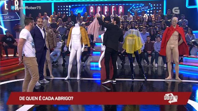 Javier Rey une dono con abrigo para non ter que espirse! - 03/02/2017 00:32