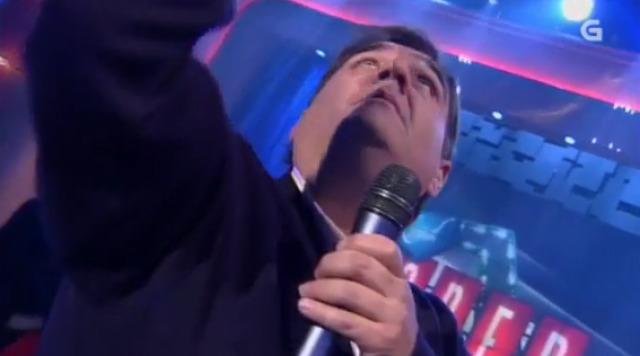 José Manuel Zubieta, presidente do Verín CF, canta no plató de Land Rober Tunai Show - 30/12/2015 22:00