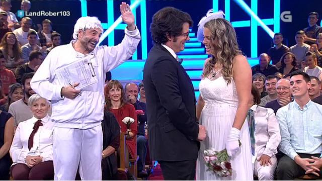 O anxo non respecta a ninguén... nin a estes dous noivos que van casar! - 09/11/2017 23:28