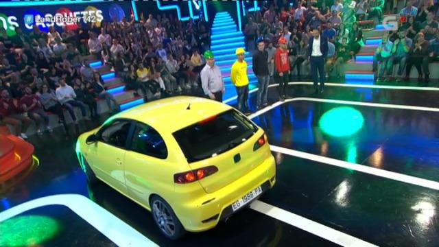 O xogo dos casquetes: quen é o dono do coche amarelo? - 21/12/2018 00:17