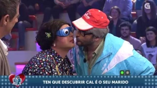 """Os Simões en """"A súa media castaña"""" - 15/04/2015 22:00"""