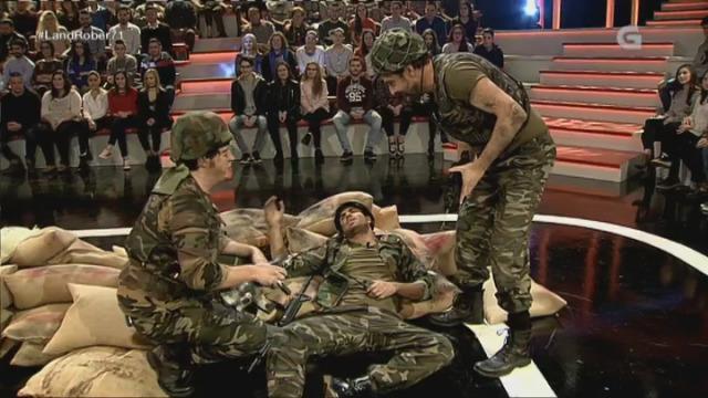 Que facer cun soldado ferido en plena batalla? - 28/12/2016 22:54