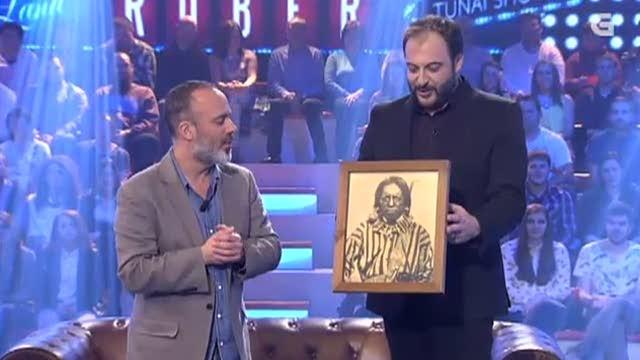 Roberto Vilar conversa co actor Javier Gutiérrez - 06/05/2015 22:15