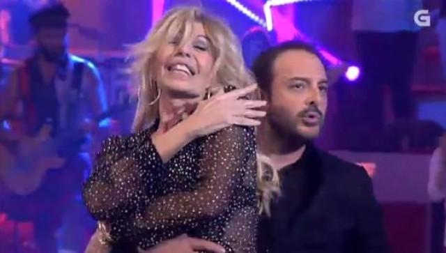 """Roberto Vilar e Bibiana Fernández cantan e bailan o tema """"The time of my life"""" da película """"Dirty Dancing"""" - 15/04/2015 22:00"""