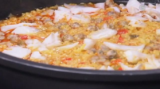 Bacallau con arroz de berberechos e Torta de cenoria con merengue - 04/04/2017 22:00