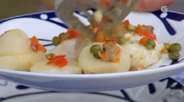 Lombos de pescada con salsa de berberechos e pastel de pavías - 04/07/2017 22:00