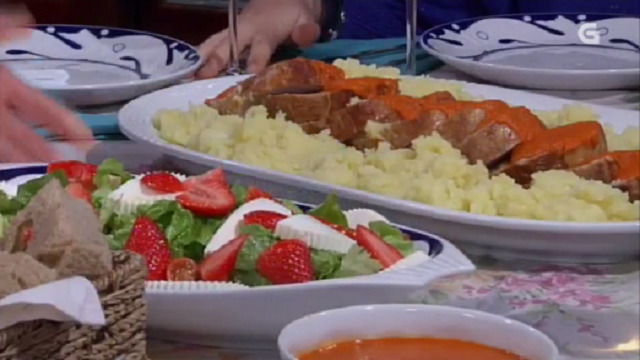 Redondo de tenreira con salsa de cenorias, e pastel de praliné - 31/03/2016 22:00