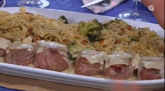 Solombos de vitela con salsa de tetilla e torta de nésperas - 26/09/2017 22:00