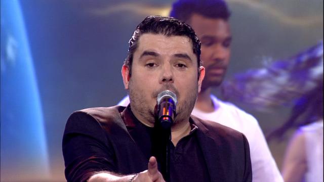 Alberte Suárez, representante de Ourense norte, canta 'O mundo' - 26/01/2019 01:53