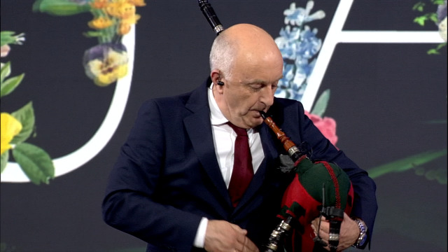 As Ferriñas de Rosalía de Castro retan a Gayoso a tocar a gaita e a Patri a bailar! - 12/04/2019 23:37