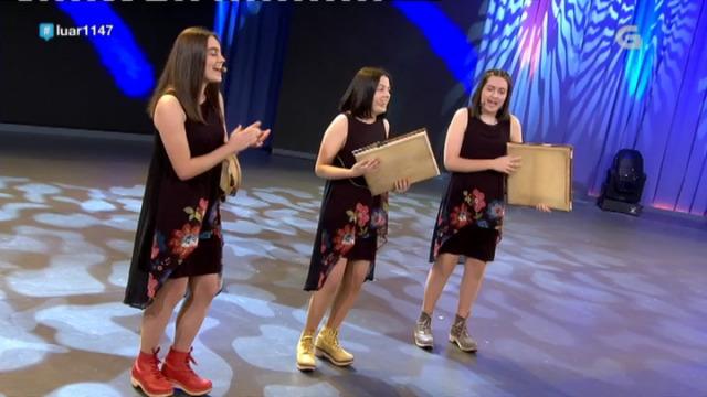 As Pandeireteiras de Verducido interpretan 'Son muller' - 09/11/2018 22:58