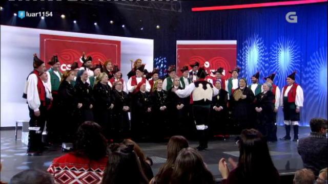 Cantigas e Agarimos veñen presentar disco e interpretan 'Foliada de Noia' - 28/12/2018 22:34