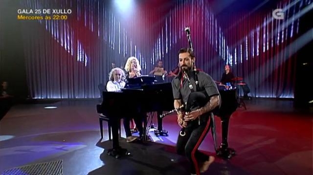 """Cómplices e Cristian Silva interpretan xuntos """"Un lugar no mundo"""" - 14/07/2018 10:01"""