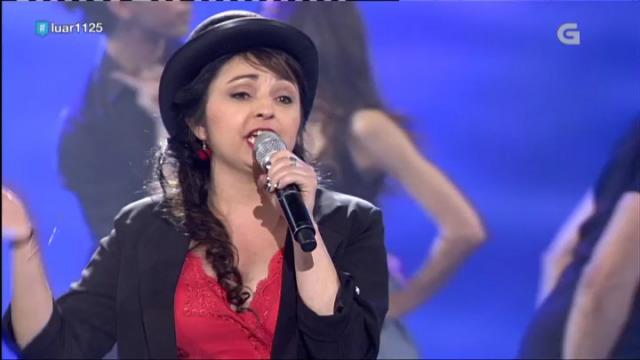 Lucía Aral ilumina o escenario e o xurado cantándonos 'Estando contigo' - 28/04/2018 11:08