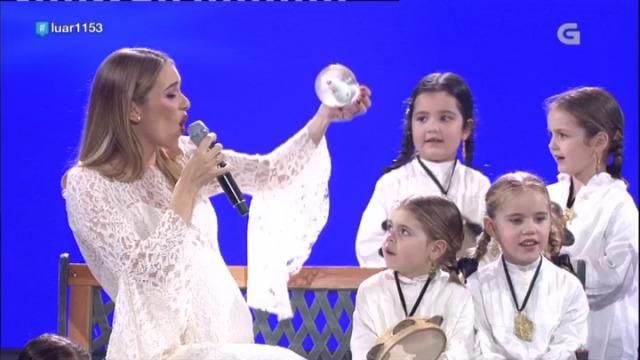 """María Mera interpreta """"Branco Nadal"""" - 22/12/2018 01:32"""
