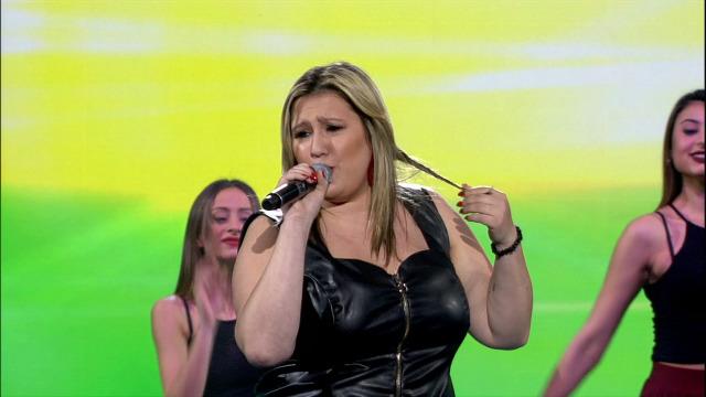 Velusa, de Portugal norte, canta 'Desesperada' - 27/04/2019 01:44