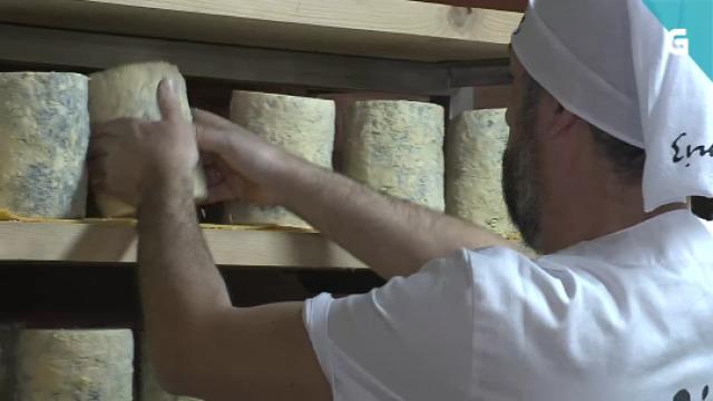 Adri visita unha fábrica de queixo azul - 28/04/2020 22:30