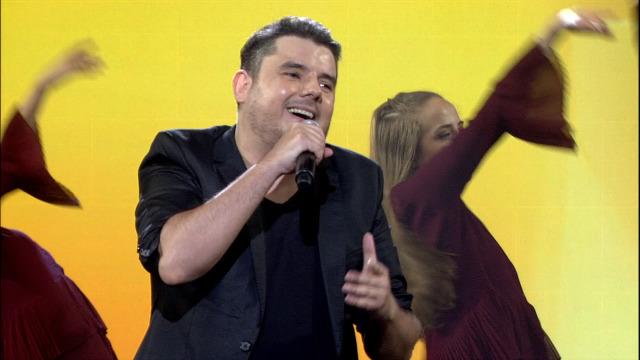 Alberte Suárez interpreta 'Bailar pegados' por un oco na final - 27/06/2020 00:26