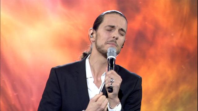 Antonio Barros interpreta 'A morena da copla' nos Recantos de Ouro - 06/06/2020 00:30