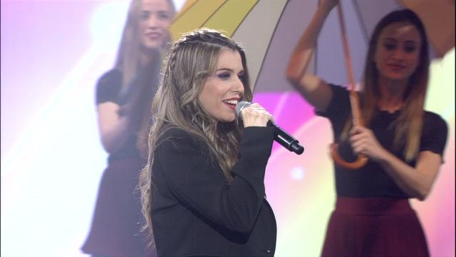 Carolina López interpreta 'A Chuvia' - 16/11/2019 01:34