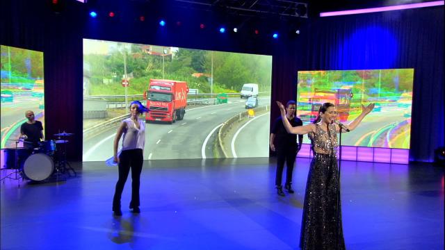Lucía Pérez dedica a canción 'Heroes sen nome' a todas as persoas que loitan por nós - 17/04/2020 22:00
