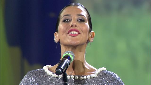 Lucía Pérez emociona o público cantando 'Tocando enfrente' - 25/07/2020 22:00