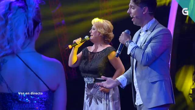 Pili Pampín sobe ao escenario para cantar con César Romero - 06/08/2020 22:00