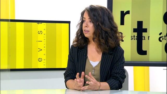 Visitounos Sofía Oriana, a autora da música da película 'Elisa e Marcela', que estrea o domingo a TVG - 22/06/2020 12:47