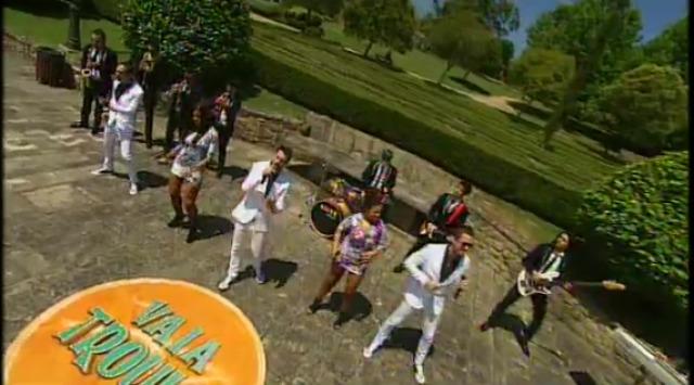 """Orquestra Filadelfia, """"No eres para mi"""", desde Ames (A Coruña) - 26/07/2015 22:30"""