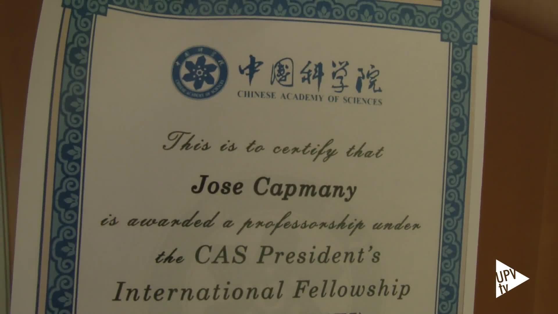 04-05-2015 Distinción a José Capmany