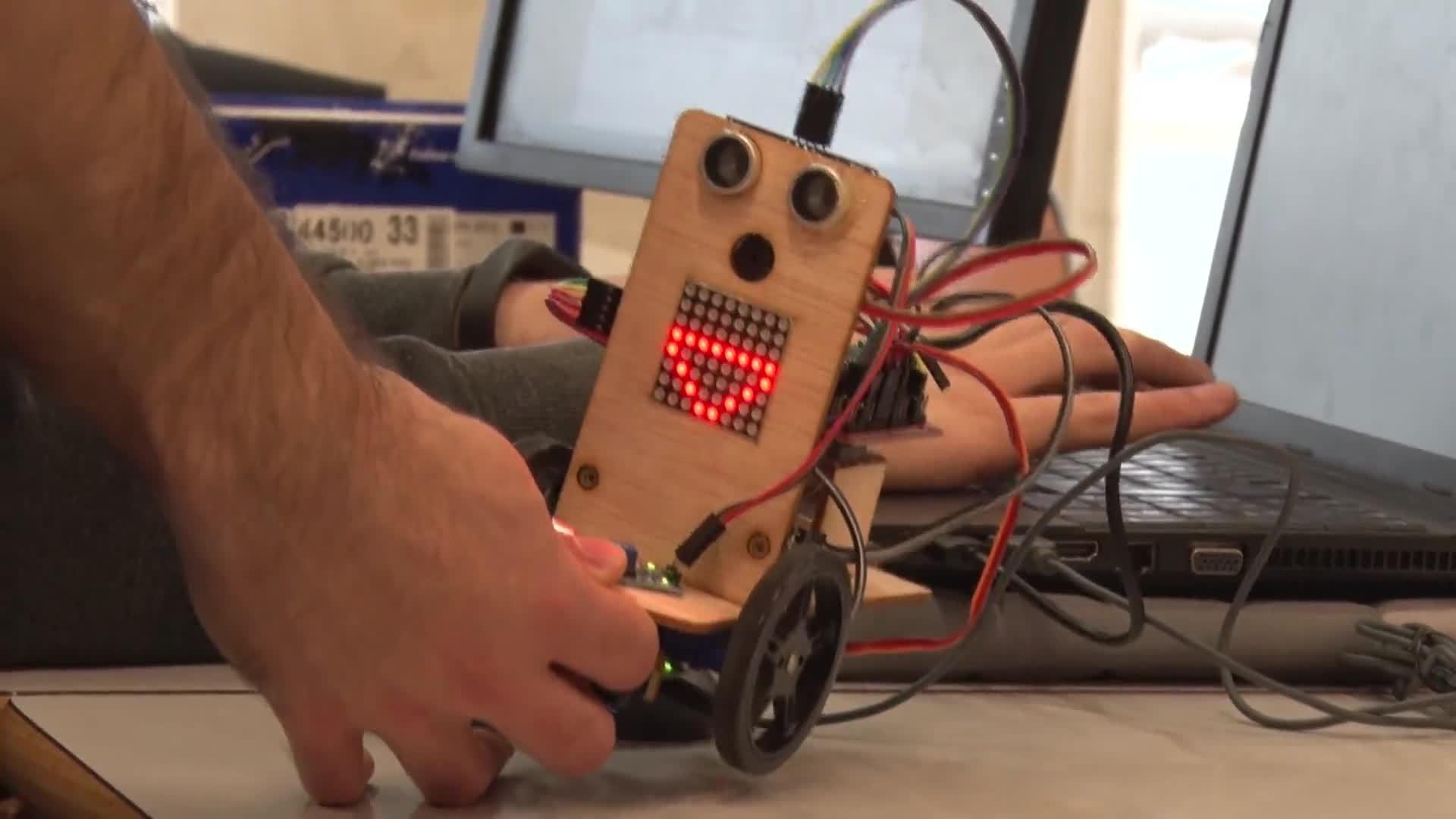 09-05-2017 Construir un robot de forma rápida y sencilla