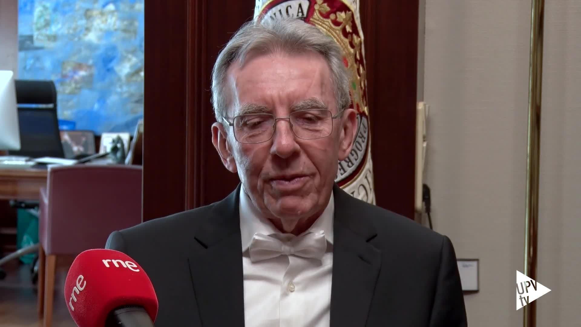 12-03-2019 De Premio Nobel a divulgador de ciencia