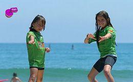 Imagen del vídeo Ideth y Mario, cazadores de olas