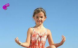 Imagen del vídeo Maia hace yoga