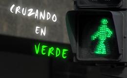 Imagen de Cruzando en verde